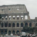Memotret Colosseo, di Roma