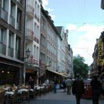 Deretan tempat makan di kota tua Düsseldorf
