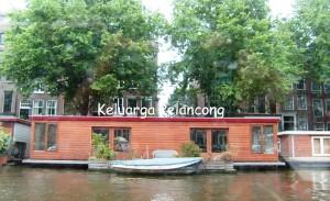 rumah-perahu-amsterdam